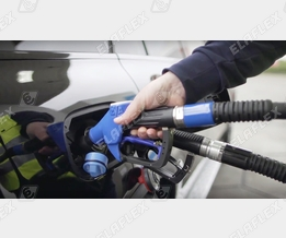 Simultaneous Refuelling/Filling of Diesel and AdBlue